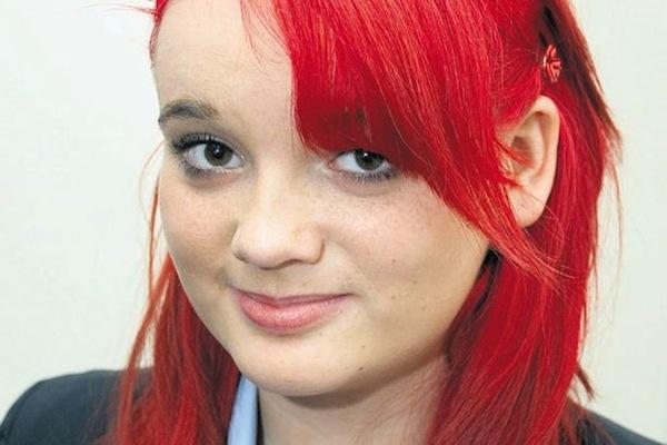 15-letniej Terri Bancroft zakazano przychodzić do szkoły w pofarbowanych włosach.