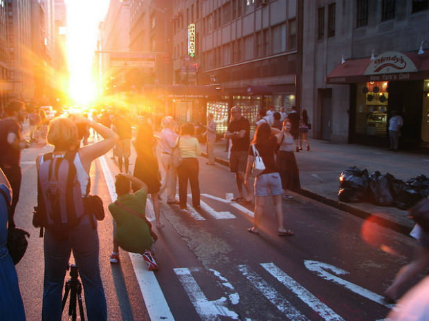 manhattanhenge_mini