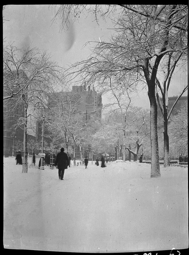Piata Aleja i 25 ulica w 1910 r. Getty Images.