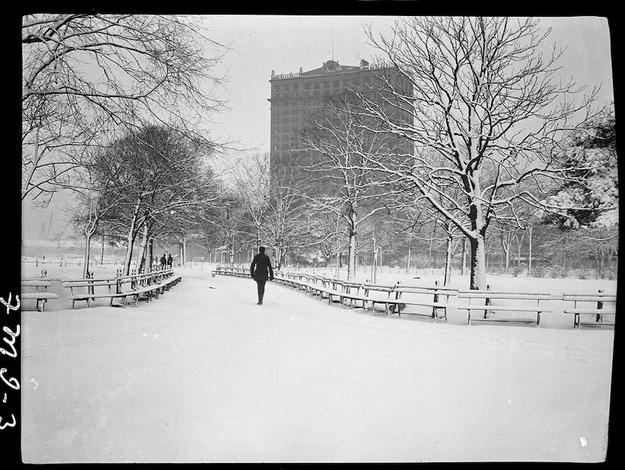 Battery Park w 1910 r. Fot. Frank M. Ingalls.