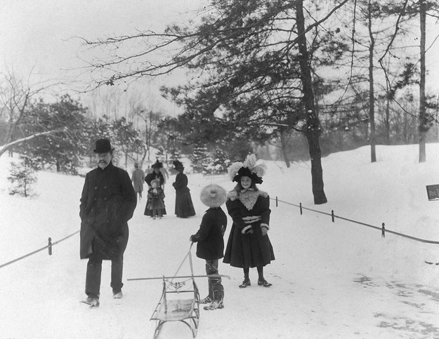 Central Park w 1898 r.  Fot. Museum of the City of New York/Byron Collection / Getty Images.