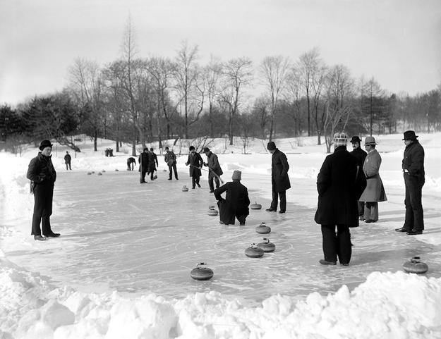 Zabawy w Central Parku w 1910 r. Fot. Getty Images