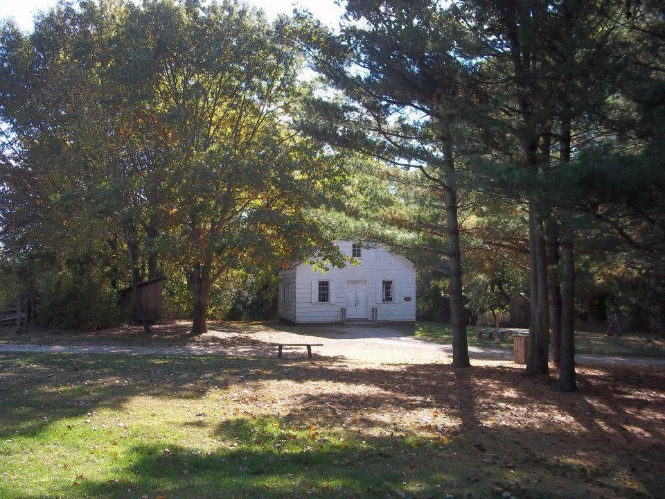 Fot. www.facebook.com/pages/Old-Bethpage-Village-Restoration