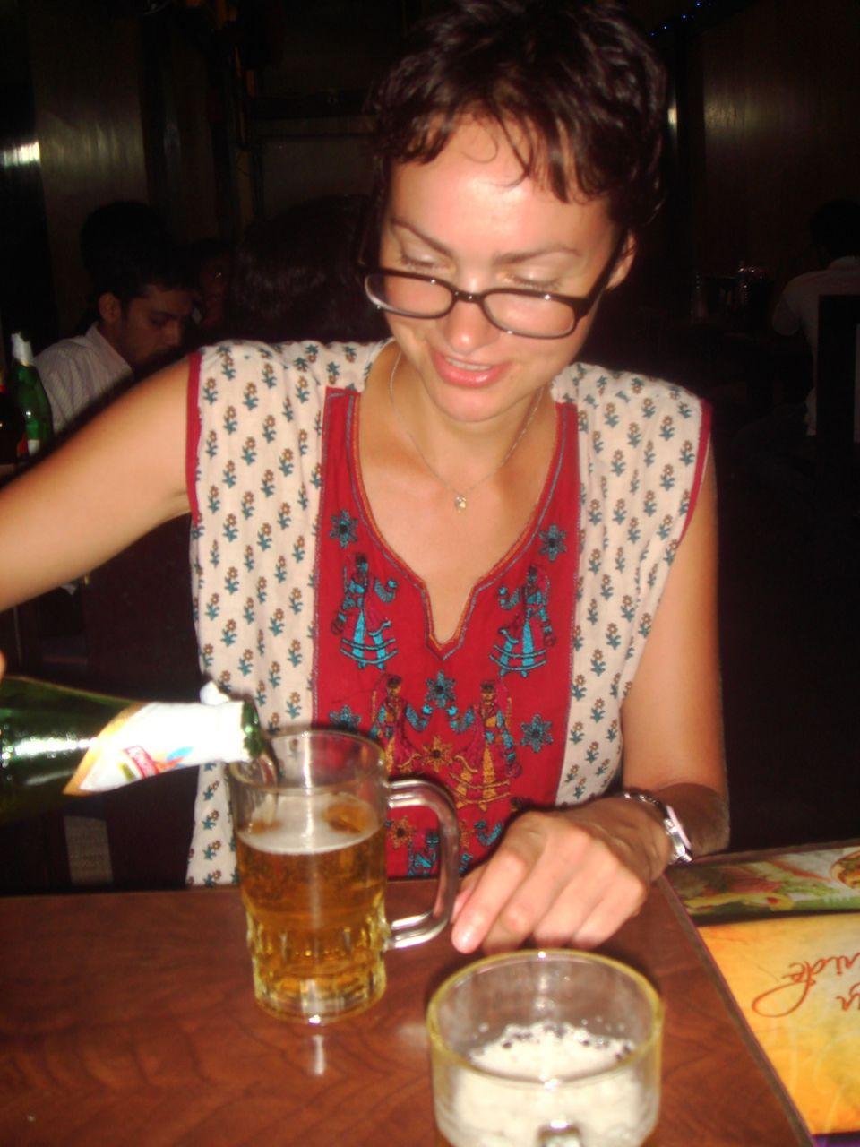 Moje pierwsze piwo w Indiach miało gorzko słodki smak