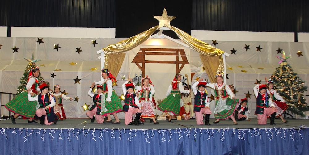 Maki tańczą dla Dzieciątka