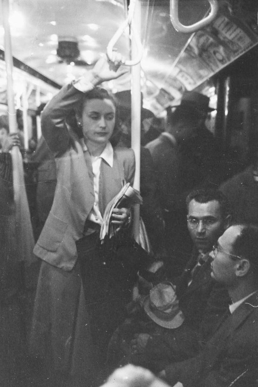 subway-street-photography-love-new-york-stanley-kubrick-16