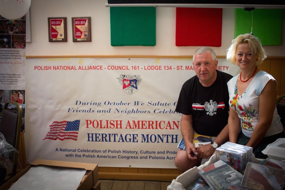 Kasia Fedorowicz )przewodnicząca oddziału Polish National Alliance w Denver) z gościem festiwalu