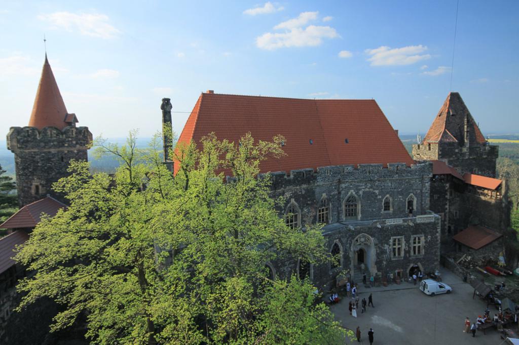 zamek-w-Grodźcu-1-1024x682