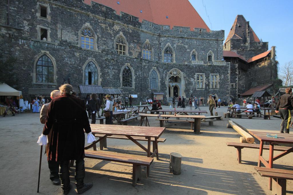 zamek-w-Grodźcu-2-1024x681