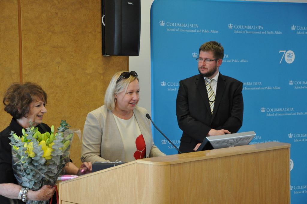 Prof. Anna Frajlich, konsul Generlalna Urszula Gacek i wicekonsul Mateusz Stąsiek
