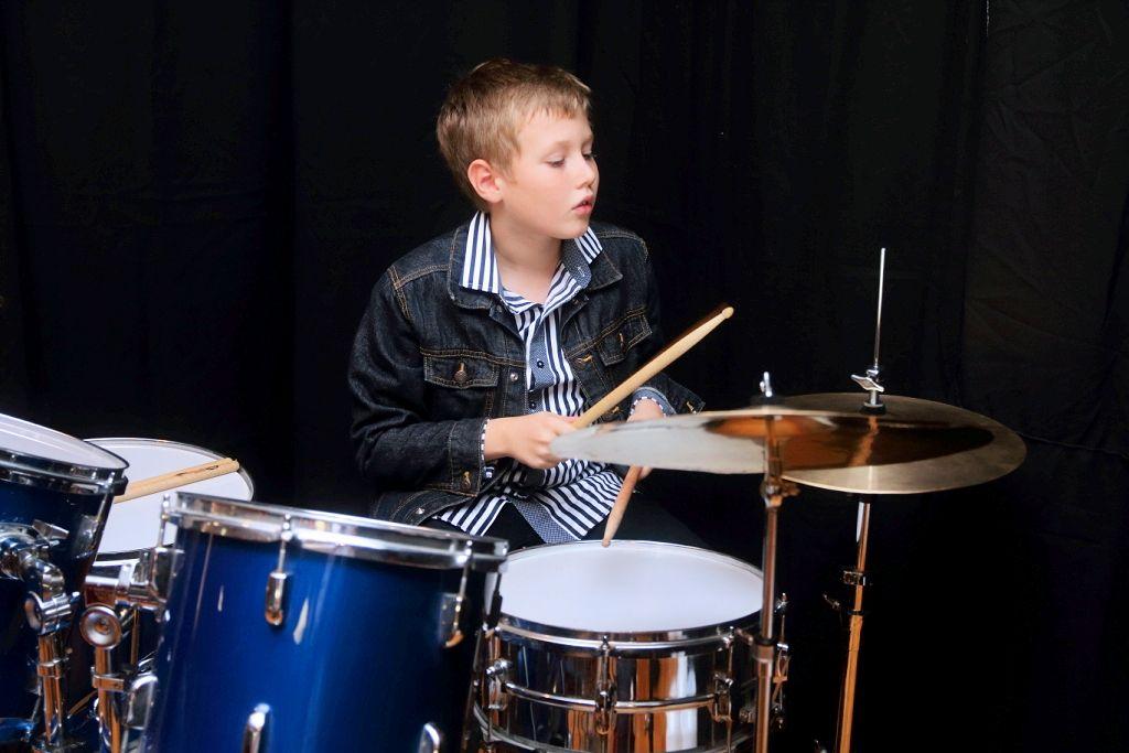 Konrad Kloczkowski na perkusji